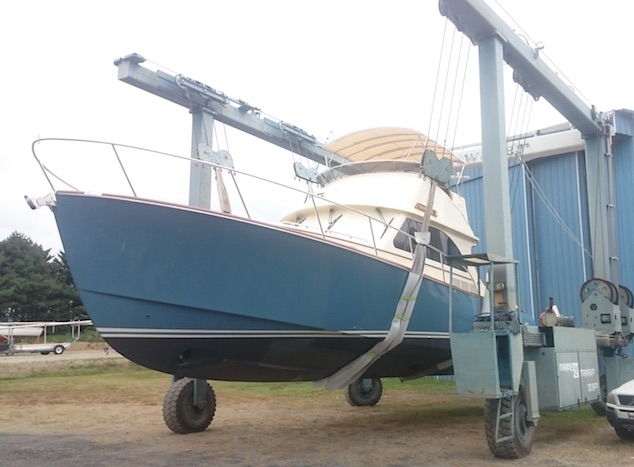 Hinckley Yacht Repairs and Painting
